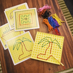 String Along Lacing Kit and Pattern Cards カラフルひもでお絵かきキット